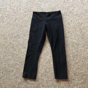Lululemon black Capri workout leggings pant 2-4
